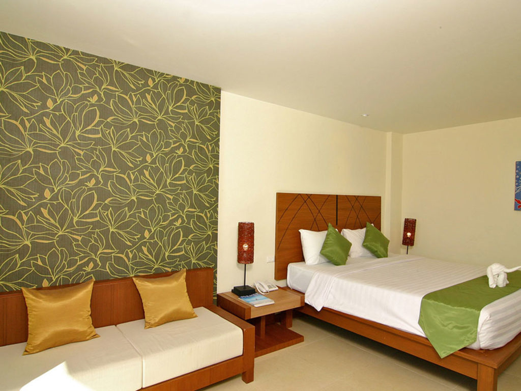 thailand hotel room twin beds